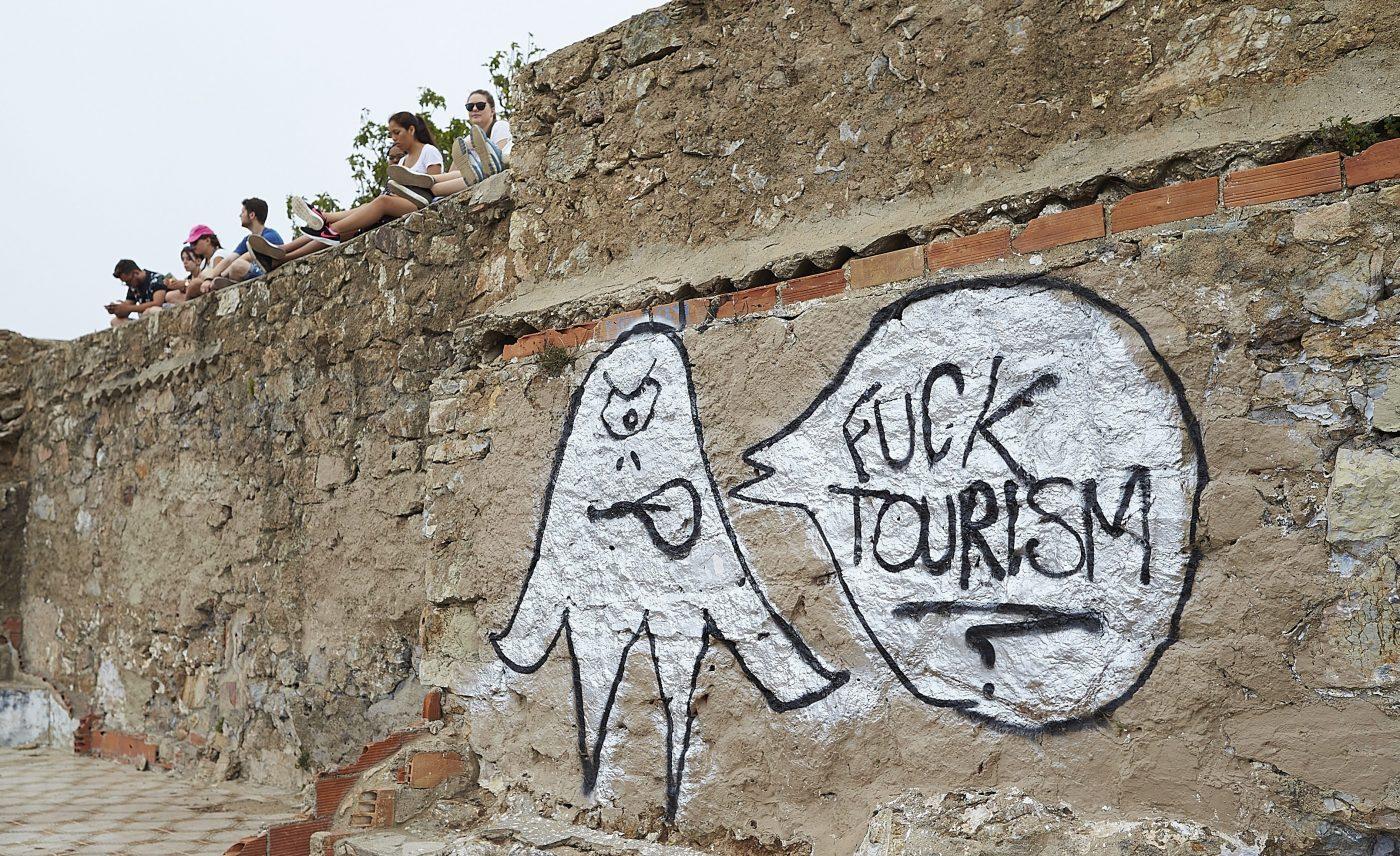 home-sharing graffiti